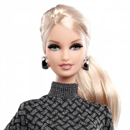City Shopper Barbie Doll Blonde